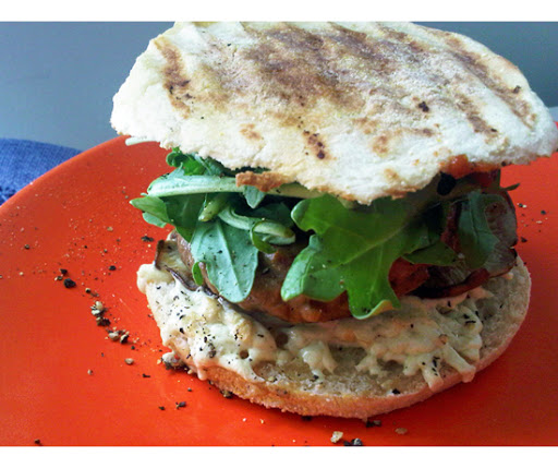 breakfast-sandwich-550---mushrooms-arugula